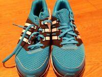 Adidas unisex trainers - size 7