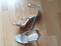 Womens public desire shoes .size 5