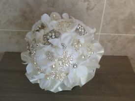 Brides brooch bouquet
