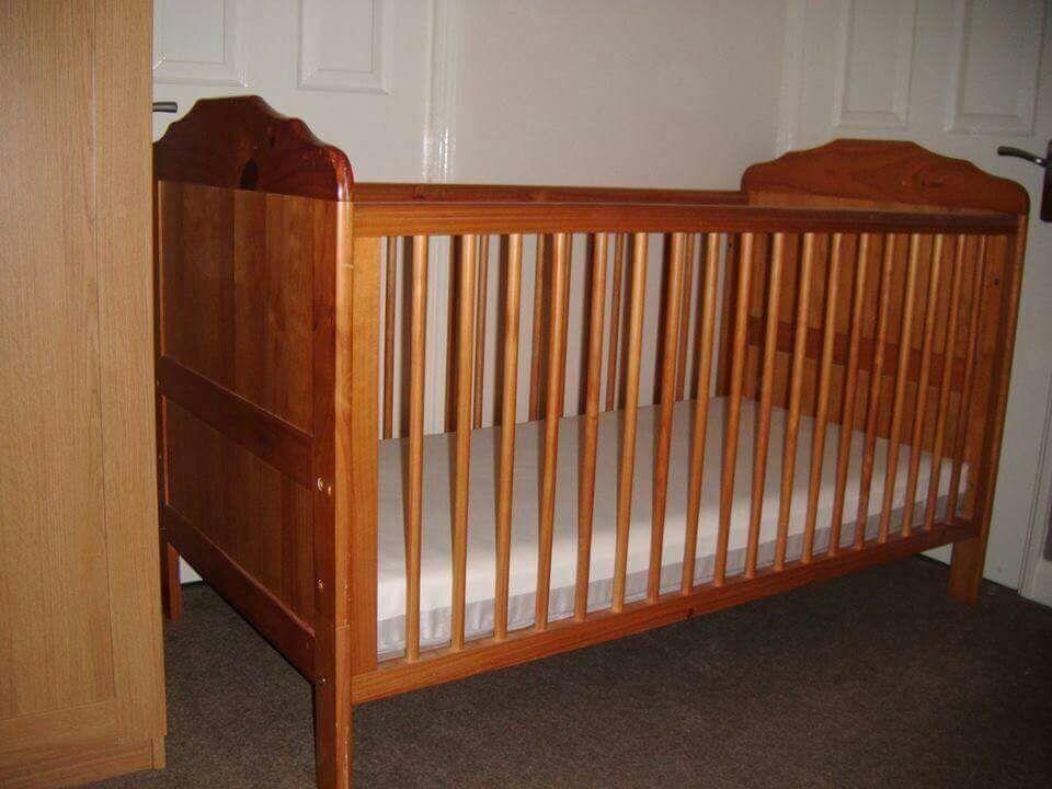Cot Bed / Junior Bed