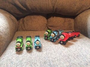 THOMAS & FRIENDS WOODEN TOY TRAINS