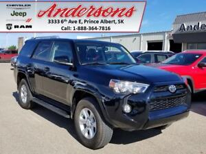 2017 Toyota 4Runner SR5 *Seats 7/Tow Package*