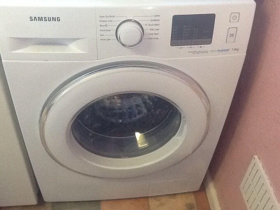samsung washing machine eco bubble 7kg load 1200 spin only one year old in andover hampshire. Black Bedroom Furniture Sets. Home Design Ideas