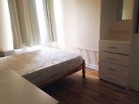 Extra Central Double Room in Zone 1 Elephant & Castle / For 1 or 2 people / all bills incl.