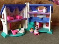 Fisher-Price toy dolls house plastic in good good condition