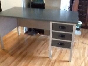 Charcoal & silver grey desk