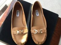 Ladies brown tan Dune Leather Loafer/Moccasin shoes