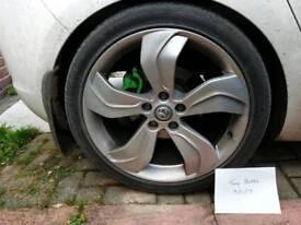"Astra J VXR 19"" alloys"