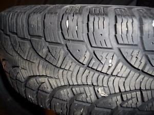 2 pneus d'hiver 175/70/14 Pirelli Winter Carving