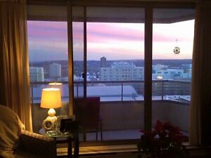 Downtown Condo (Stunning Views)- Avail. July 15