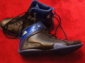 U.K. adult 9 basketball boots as new.