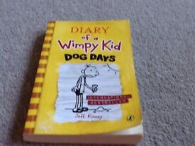 Diary of a wimpy kid dog days paper back