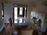 Stunning Double Room in a Two Floor, 3 Bed House!
