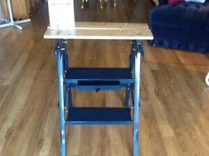 Portable fold-up work bench