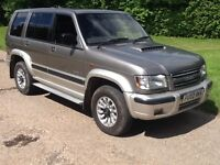 Isuzu Trooper Lwb DT Insignia (aluminion grey metallic) 2002