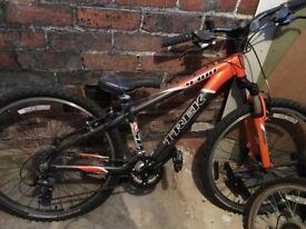 Trek 4300 bike with shimano brakes