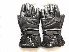 Brand new waterproof motorcycle leather gloves , size L .