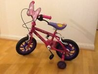"Minnie Mouse 12"" Bow-tique Bicycle with detachable stabilisers. VERY GOOD CONDITION"