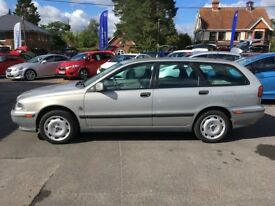 Volvo v40 1.8 estate, only 80k with FULL Volvo history, new MOT and clutch. 'Collectible ' clean