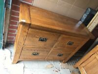 SOLID OAK VANCOUVER 4 DRAWER CHEST EX DISPLAY