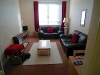 Lovely One Bedroom Fully Furnished Flat in Bishopbriggs
