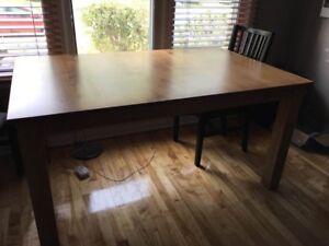 Table en érable massif- Canadel- comme neuf