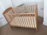 Changing unit & Kids cot from Mamas & Papas