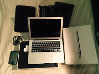 MACBOOK AIR LATEST MODEL AS NEW BOXED I5 128GB SSD 4GB RAM PLUS EXTRAS