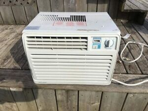Window Air Conditioner (PRICE DROP)