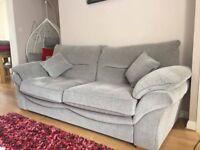 *** Beautiful Sofa Set For Sale + Free Rug ****