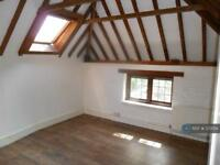 1 bedroom flat in Rodgate Lane, Haslemere, GU27 (1 bed)