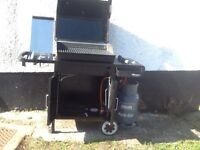 Weber spirit 320 gas barbecue. 3 main burners. 1 side burner. Used twice. Excellent condition.
