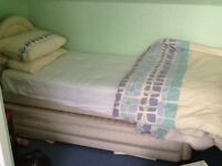Single bed with trundle bed - very good condition