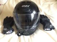 Womens' motor cycle helmet