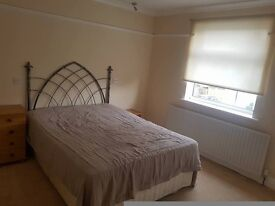 Single double room to let 115 pw all bills incl 2 weeks deposit