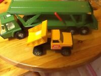 2 BUDDY large metal toys, articulated vehicle carrier and tipper.