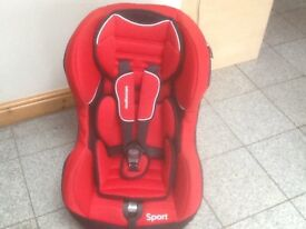 £40-group 1 lightweight car seat for 9mths upto 4yrs(9kg upto 18kg)washed&cleaned,reversible inserts