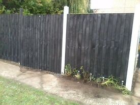2 x 6ft x 6ft black heavy duty feather edge fence panels £10 each good condition
