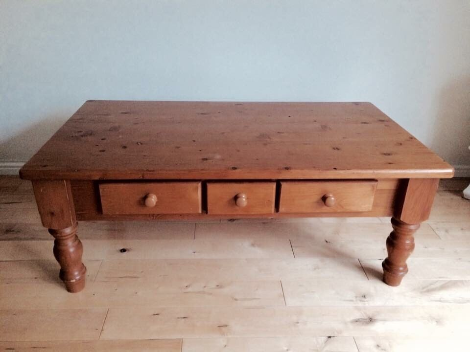 Pine solid coffee table with drawers