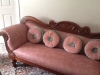 chaise lounge sofa .