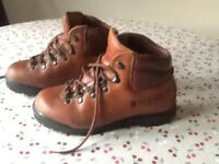 Ladies SCARPA brown leather walking/hiking boots. Excellent condition. Worn very little. Size 38