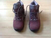 Brand new ladies berghaus walking boots size 4