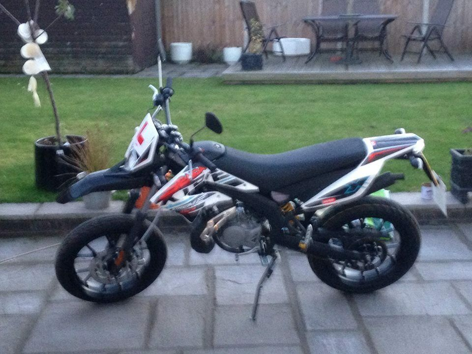 derbi senda xtreme drd sm 50cc plate 2015 new in dudley west midlands gumtree. Black Bedroom Furniture Sets. Home Design Ideas