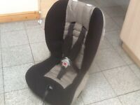Mamas and Papas group 1 2 car seat for 9kg upto £25 kg(9mths to 7/8 yrs ) washed and cleaned,