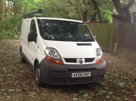 RENAULT TRAFIC 2006/ SWB 6 SPEED G/ BOX MOT 5th JUNE 2018 CLEAN ATTRACTIVE COND