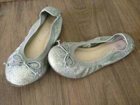 Next girls ballet shoes size 9 mint