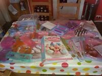 Cake decorating equipment