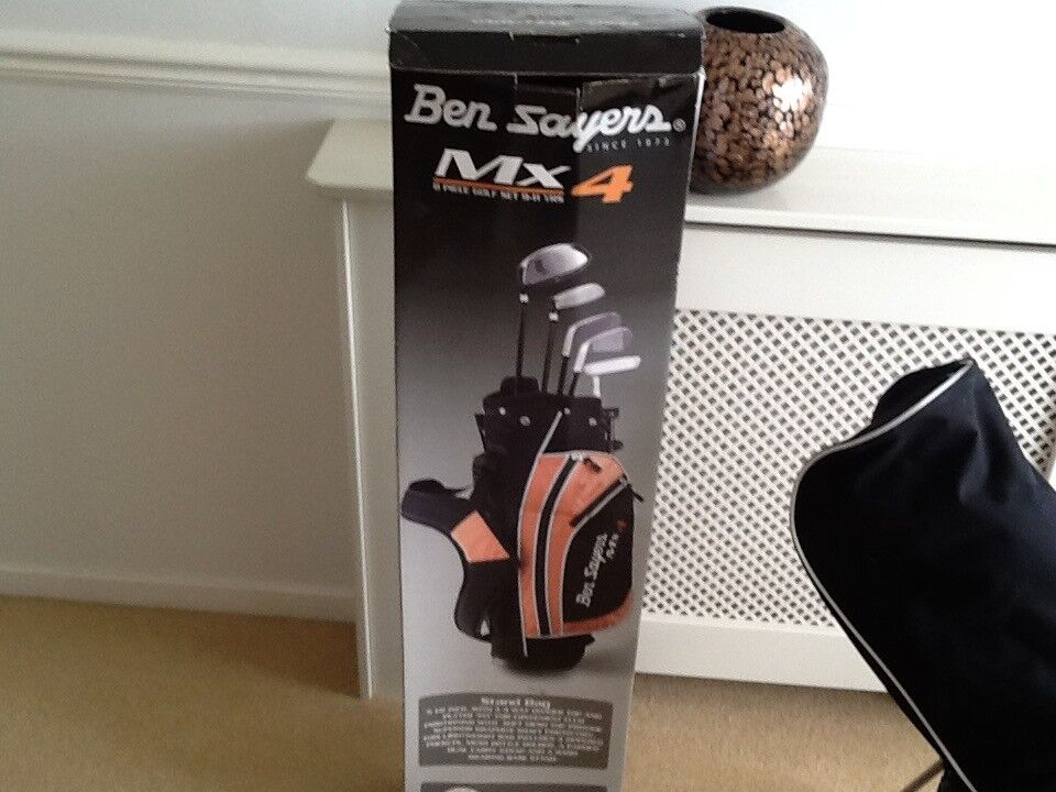 BEN SAYERS JUNIOR GOLF SET BOXED 6/8 YEARS
