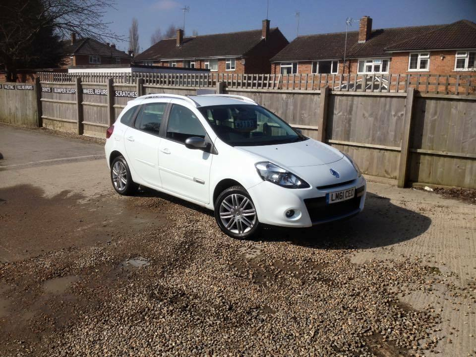 2011 61 renault clio estate 1 5 petrol low miles 18 000. Black Bedroom Furniture Sets. Home Design Ideas