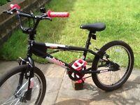 Girls Avigo spin bmx stunt bike ( like new hardly been used)